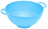 Salad sieve water blue